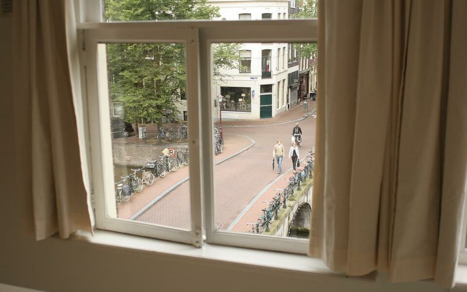 Miauw Suites, canal view city centre hotel, Amsterdam, Centrum (12)