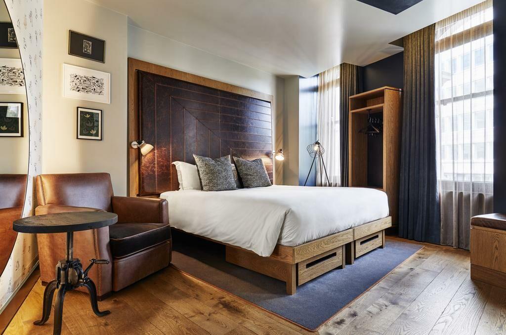 the hoxton holborn a design boutique hotel london. Black Bedroom Furniture Sets. Home Design Ideas