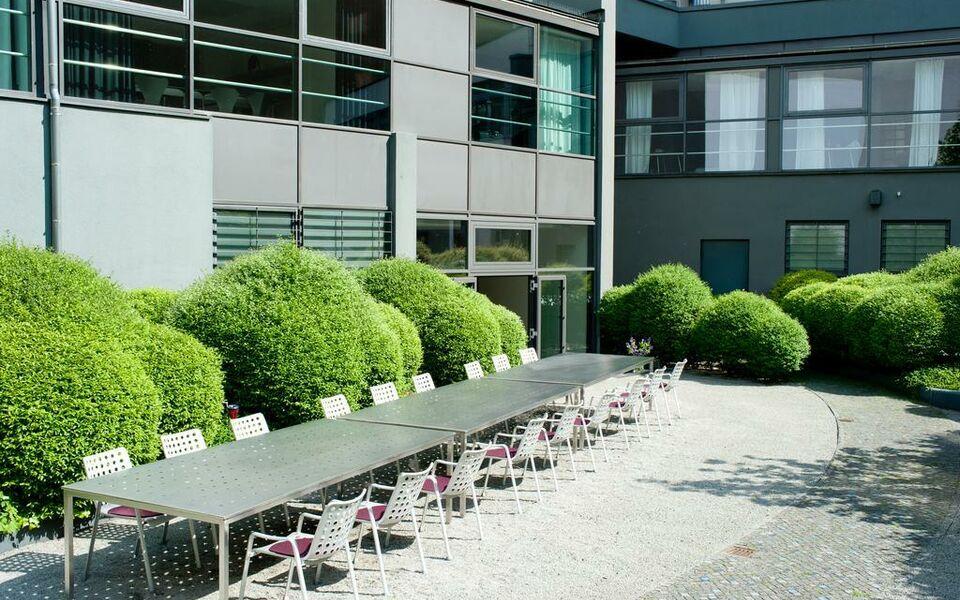 ku 39 damm 101 hotel a design boutique hotel berlin germany. Black Bedroom Furniture Sets. Home Design Ideas