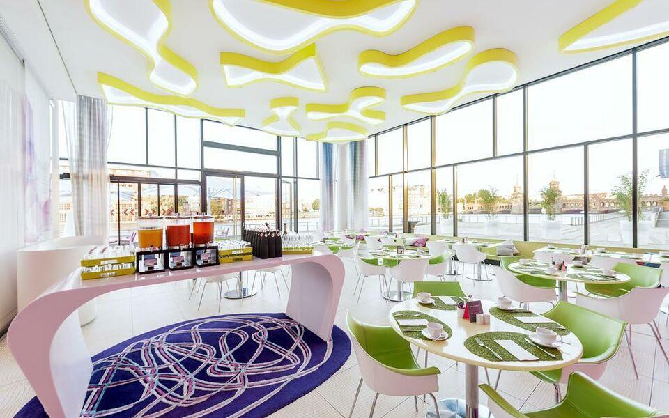 Nhow hotel berlin 2018 world 39 s best hotels for Boutique hotel deutschland