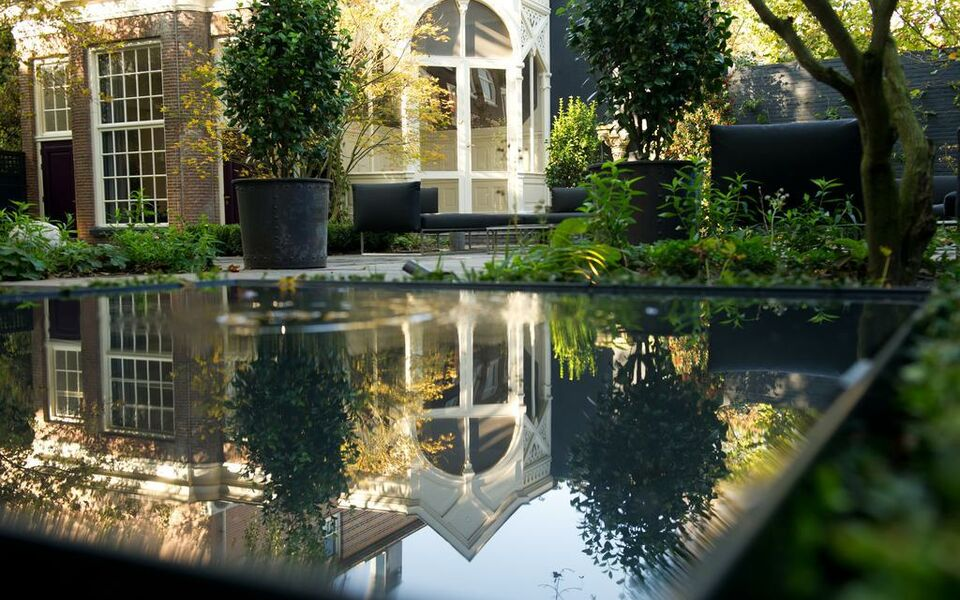 Canal house a design boutique hotel amsterdam netherlands for Canal home designs