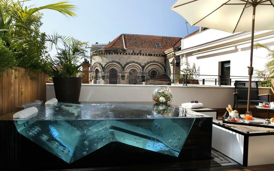 Five Seas Hotel, Cannes (26)