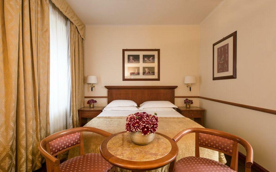 Rosa grand milano starhotels collezione a design for Grand hotel milano