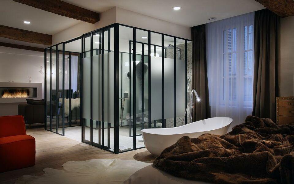 petit h tel confidentiel a design boutique hotel chamb ry france. Black Bedroom Furniture Sets. Home Design Ideas