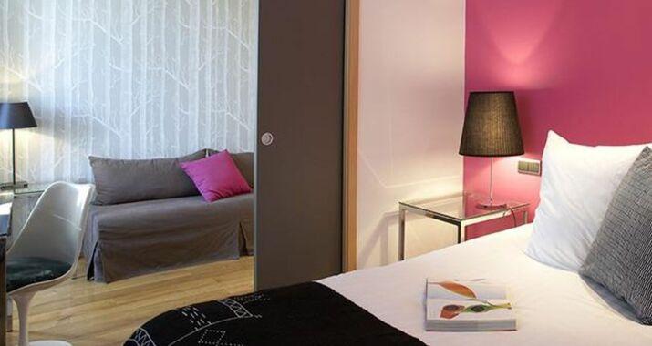 Design h tel des francs gar ons saint sauvant francia for Design hotel des francs garcons