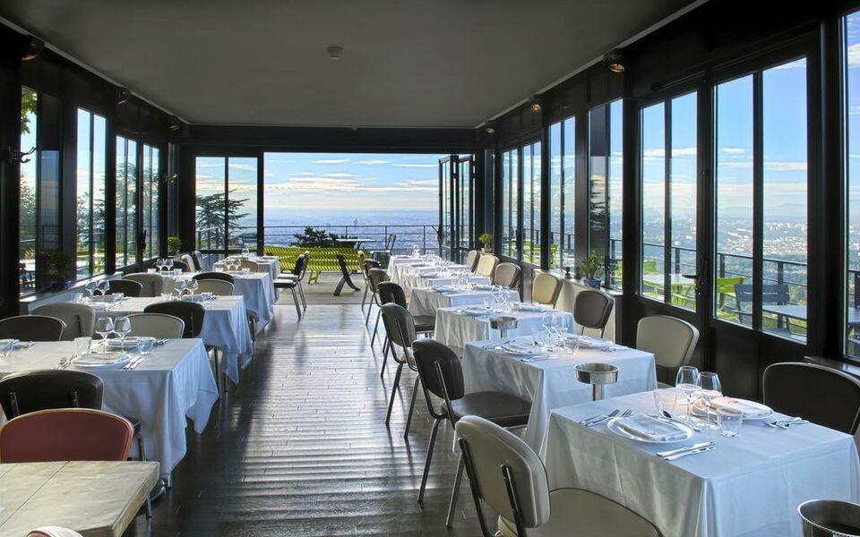 Restaurant L Ermitage Saint Cyr Au Mont D Or