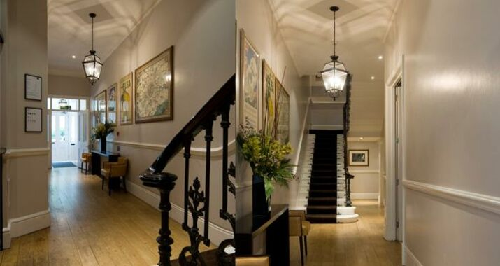 Fifty four boutique hotel a design boutique hotel london for Boutique hotels london