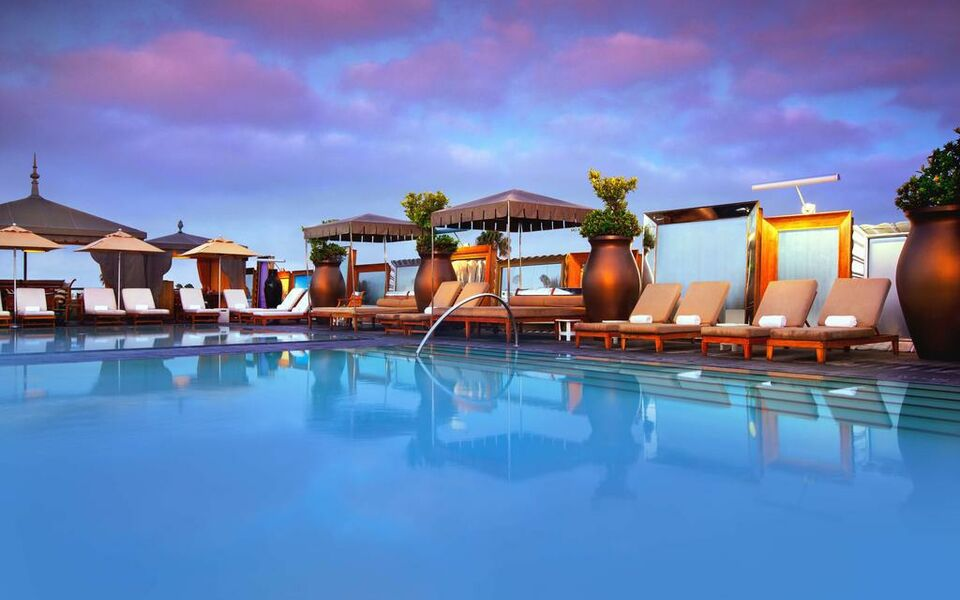 Sls hotel beverly hills best hotel in beverly hills - Best hotel swimming pools in los angeles ...