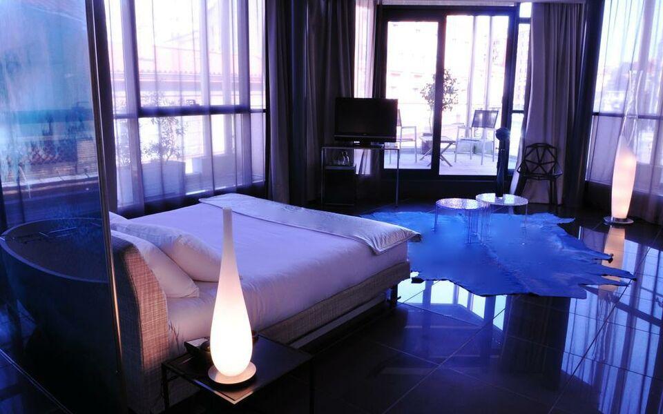 h tel design les bains douches a design boutique hotel toulouse france. Black Bedroom Furniture Sets. Home Design Ideas