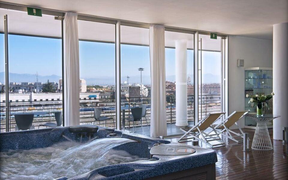 Radisson Blu es. Hotel, Roma, a Design Boutique Hotel Rome ...