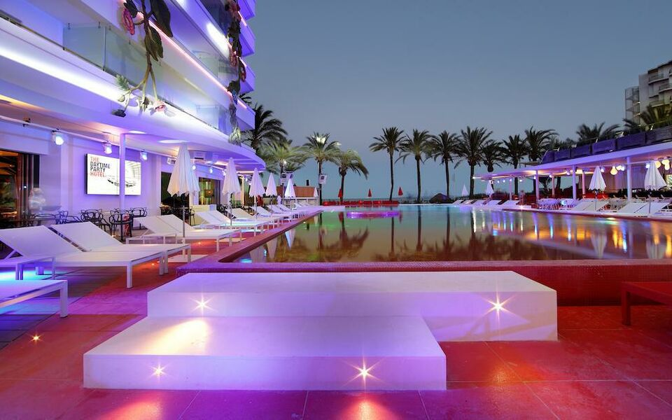 Ushuaia Ibiza Beach Hotel - Adults Only, Playa d'en Bossa (4)