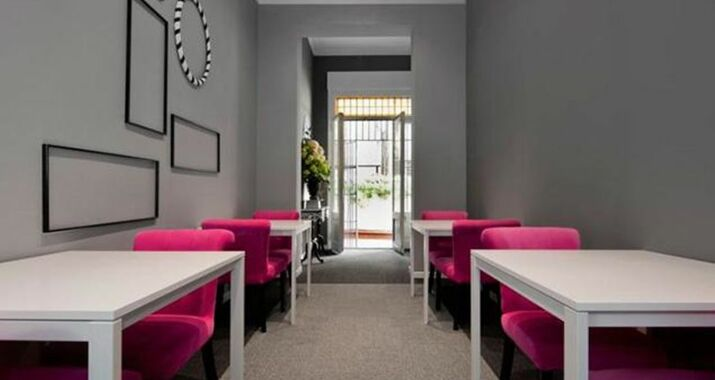 Hostal boutique khronos a design boutique hotel barcelona spain - Magasin design barcelone ...