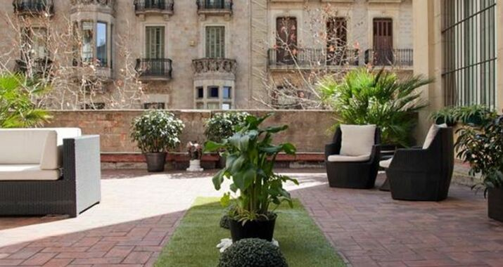 Hostal boutique khronos a design boutique hotel barcelona - Magasin design barcelone ...