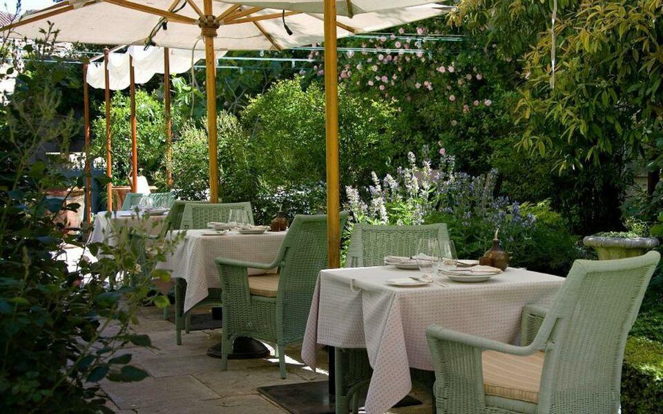 La mirande a design boutique hotel avignon france - Restaurant la mirande avignon ...
