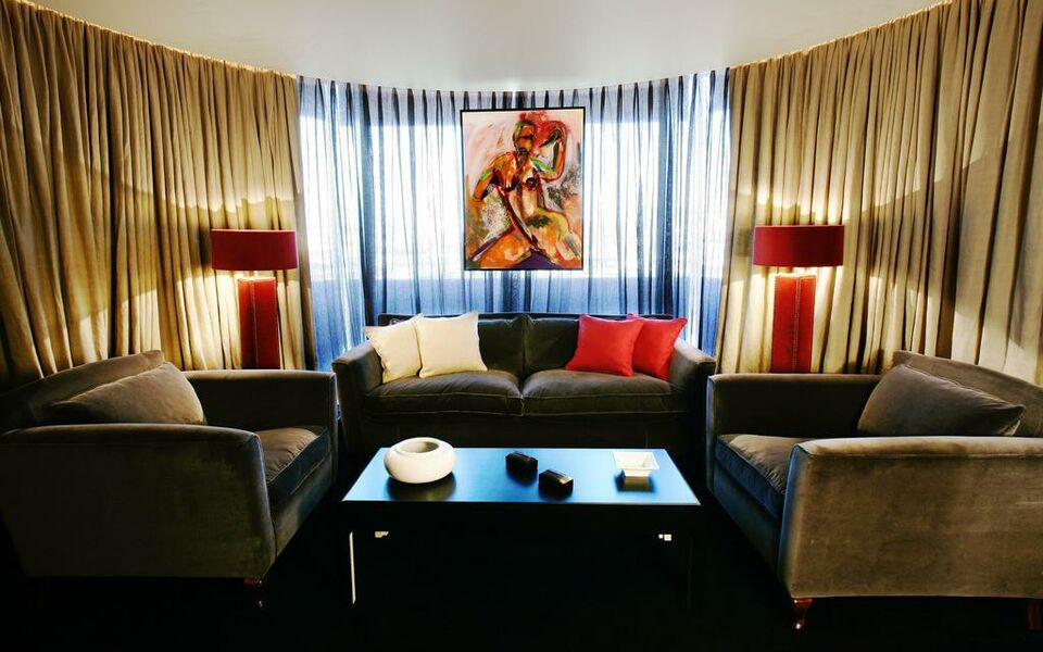 Hotel puerta america a design boutique hotel madrid spain for Silken america madrid