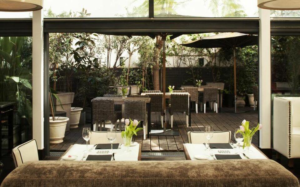 hotel pulitzer a design boutique hotel barcelona spain. Black Bedroom Furniture Sets. Home Design Ideas