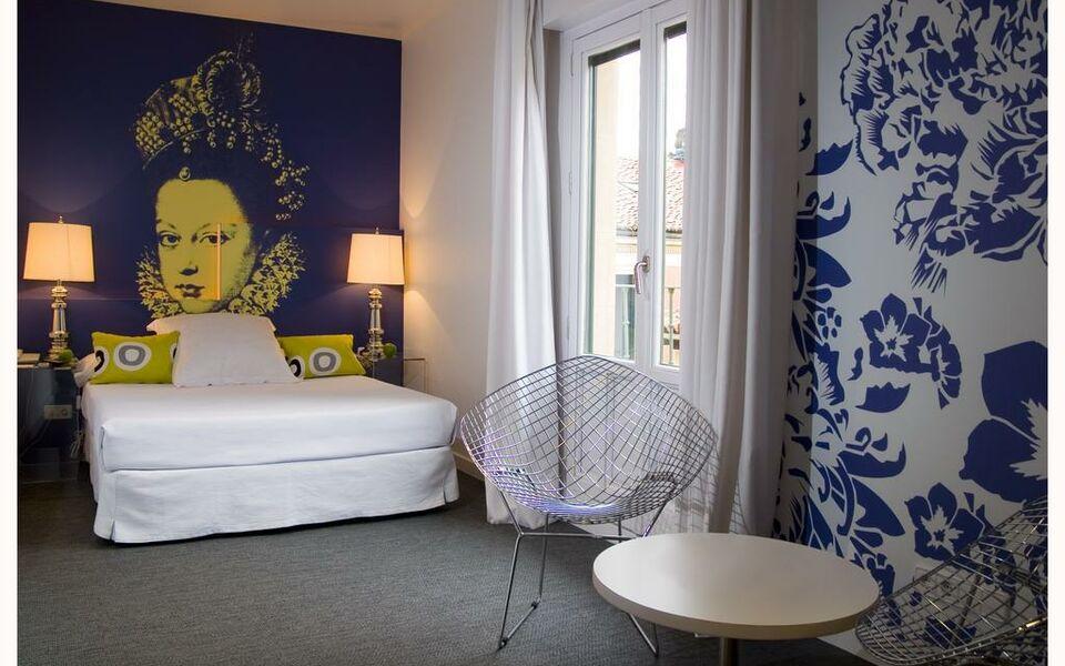 Room Mate Laura Hotel Madrid Spain