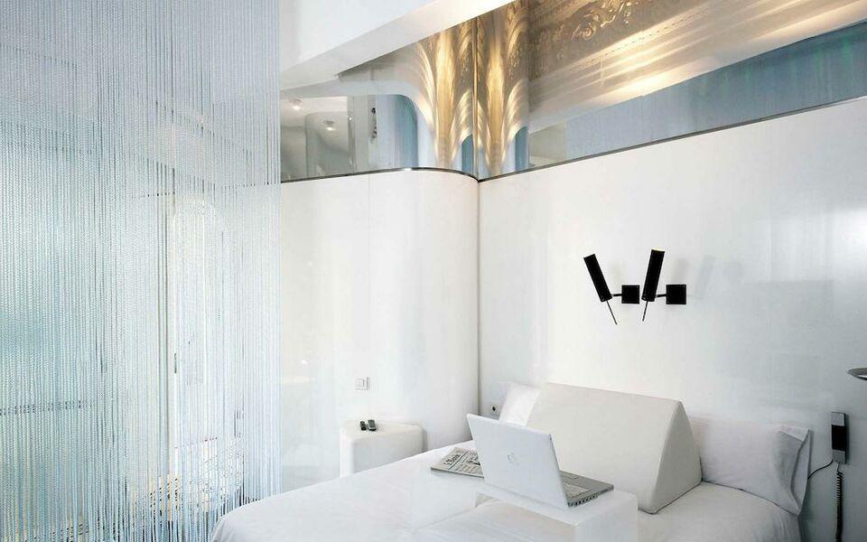 Chic basic born barcelona spanien for Design hotels spanien