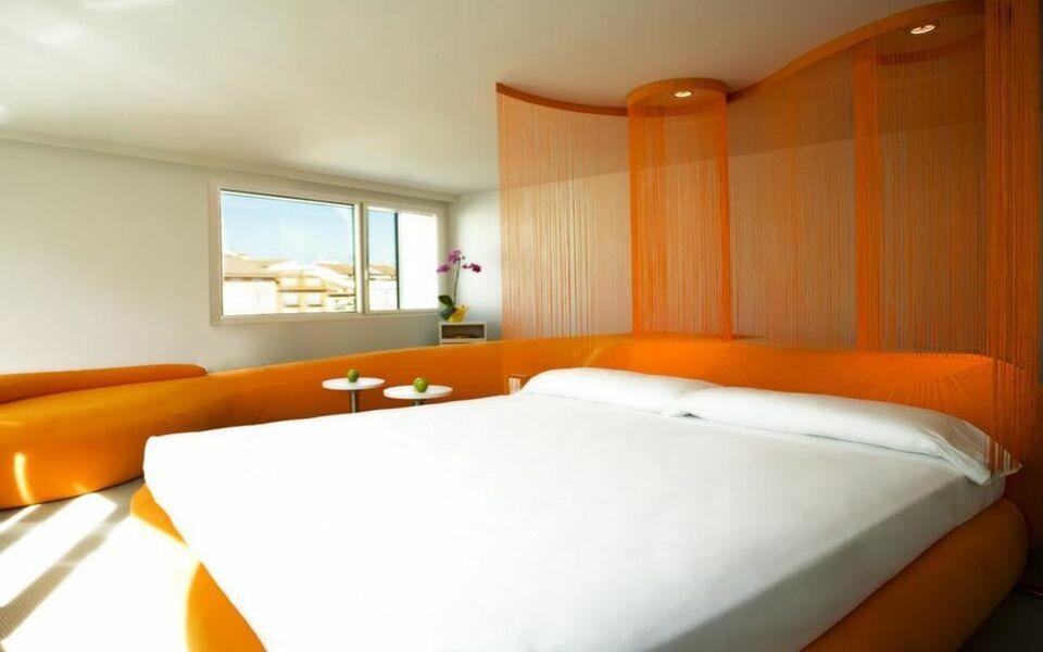 Room mate oscar a design boutique hotel madrid spain for Design boutique hotel madrid