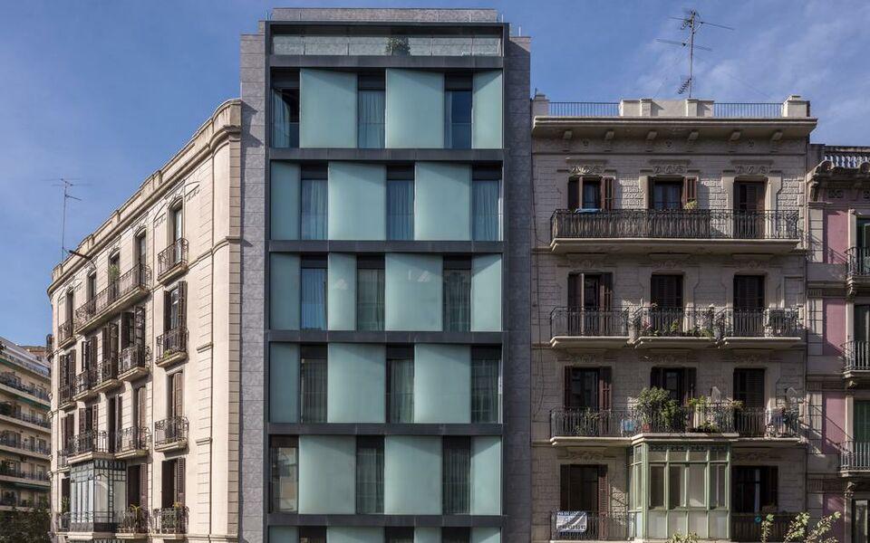 Room mate emma a design boutique hotel barcelona spain for Design hotels spain
