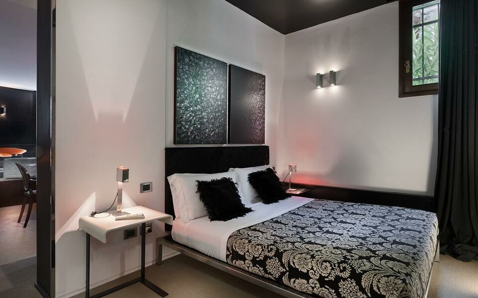 Charming house iqs a design boutique hotel venice italy for Charming small hotels