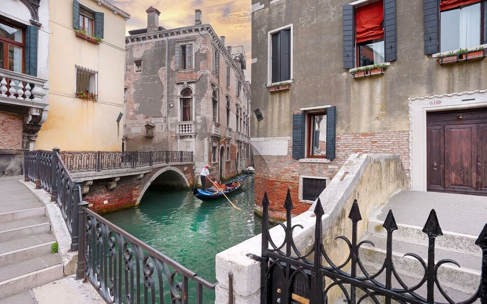 Charming House Iqs, Venice, Castello (12)