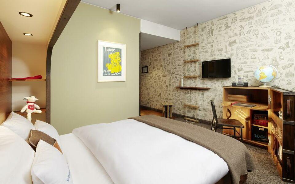 25hours hotel hafencity hamburg deutschland. Black Bedroom Furniture Sets. Home Design Ideas
