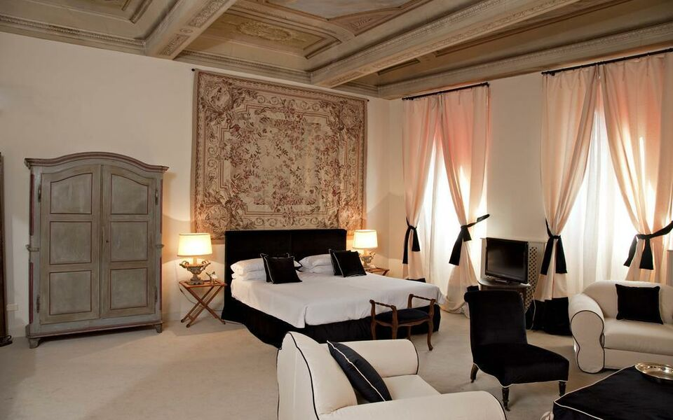 Hotel J and J, Florence (1)