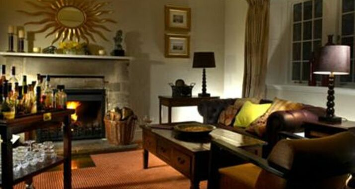 Homewood Park Hotel And Spa Bath 1