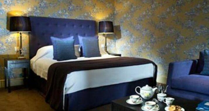 Homewood Park Hotel And Spa Bath 15