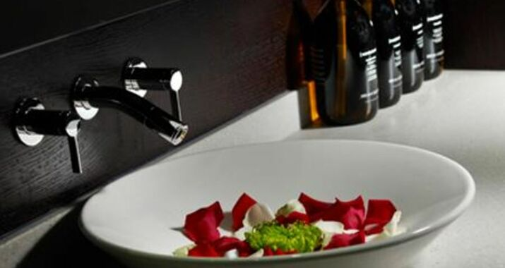 Homewood Park Hotel And Spa Bath 20