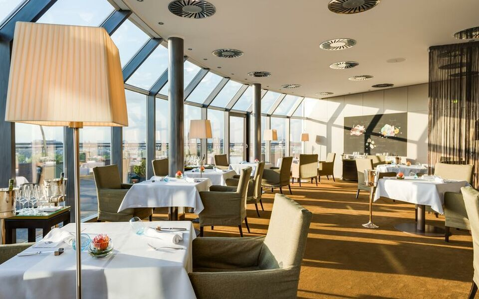Hotel im wasserturm a design boutique hotel k ln germany for Design hotel koeln