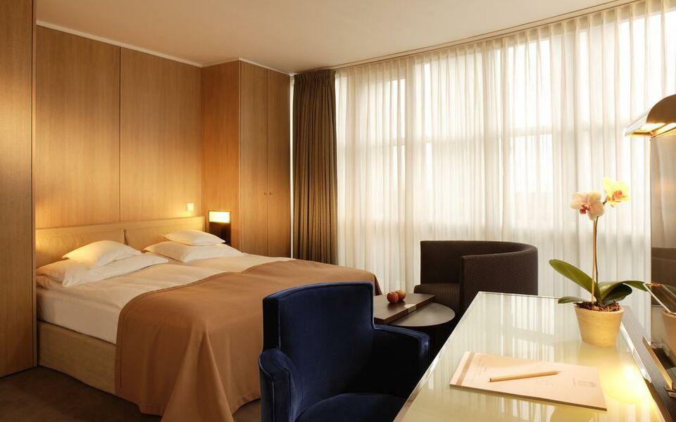 romantik hotel im wasserturm a design boutique hotel k ln germany. Black Bedroom Furniture Sets. Home Design Ideas