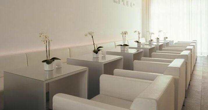the pure frankfurt deutschland. Black Bedroom Furniture Sets. Home Design Ideas