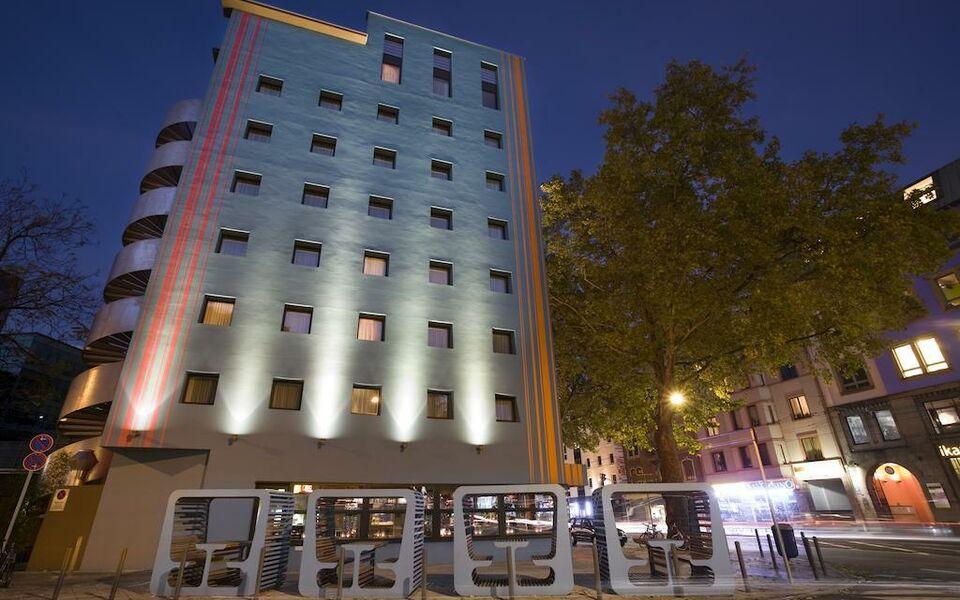 25hours hotel the goldman frankfurt deutschland. Black Bedroom Furniture Sets. Home Design Ideas