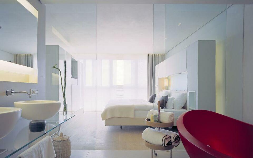 side design hotel hamburg a design boutique hotel hamburg germany. Black Bedroom Furniture Sets. Home Design Ideas