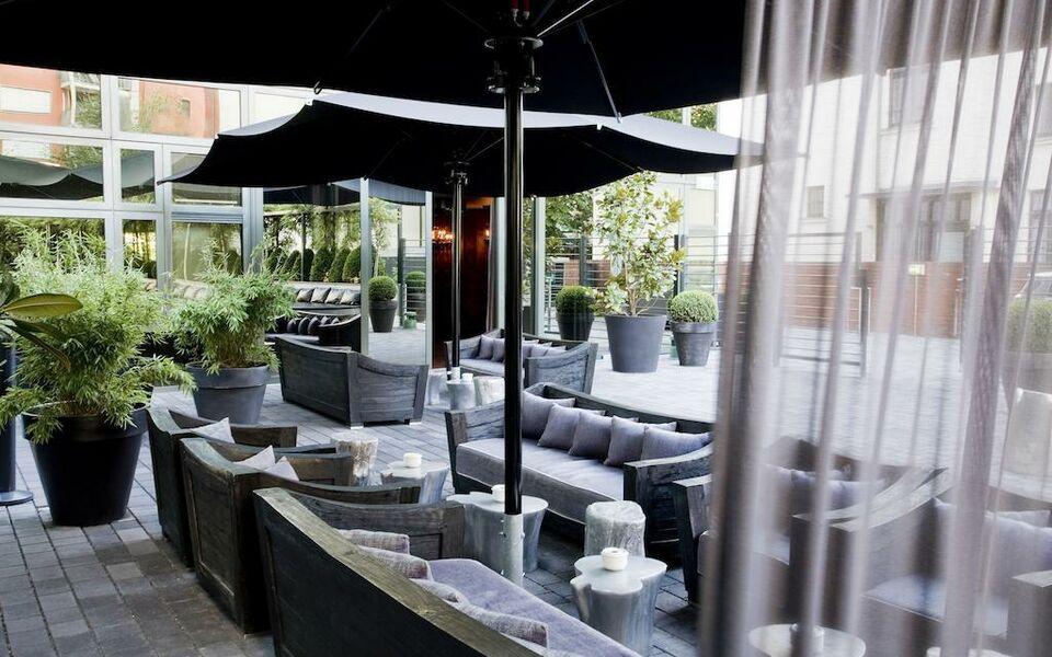 roomers frankfurt deutschland. Black Bedroom Furniture Sets. Home Design Ideas