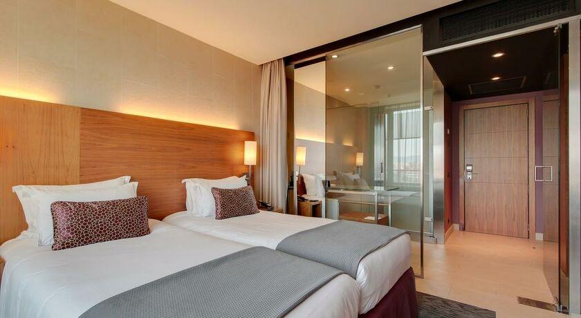 Rafaelhoteles badalona badalona espagne my boutique hotel for Chambre double lits jumeaux