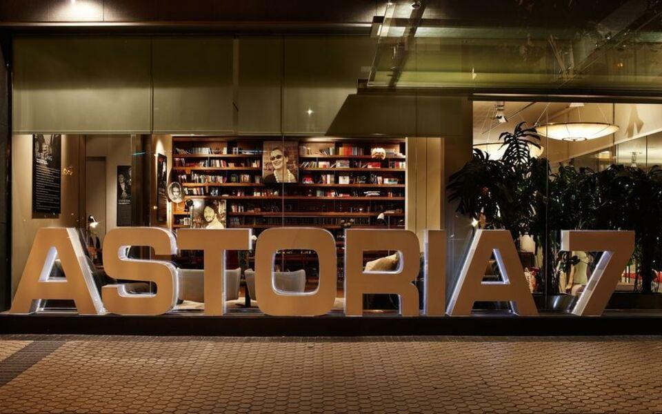Hotel astoria7 san sebasti n espagne my boutique hotel for Hotel boutique espagne
