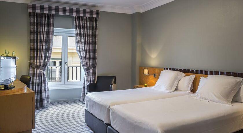 Room Mate Larios Hotel M Ef Bf Bdlaga Spain