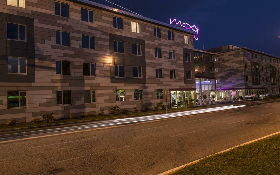 Moxy milan malpensa airport a design boutique hotel case for Ma boutique hotel