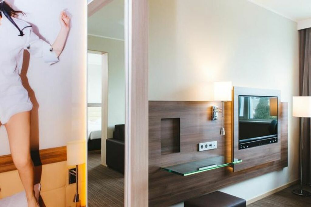moxy milan malpensa airport case nuove italien. Black Bedroom Furniture Sets. Home Design Ideas