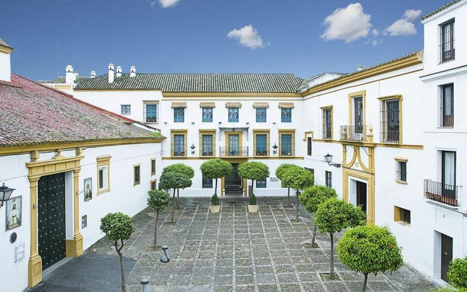 Hospes las casas del rey de baeza a design boutique hotel for Boutique hotel sevilla
