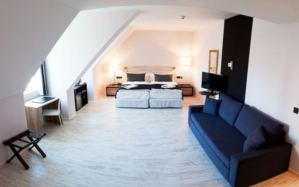 Catalonia berlin mitte berlin deutschland for Boutique hotel berlin mitte
