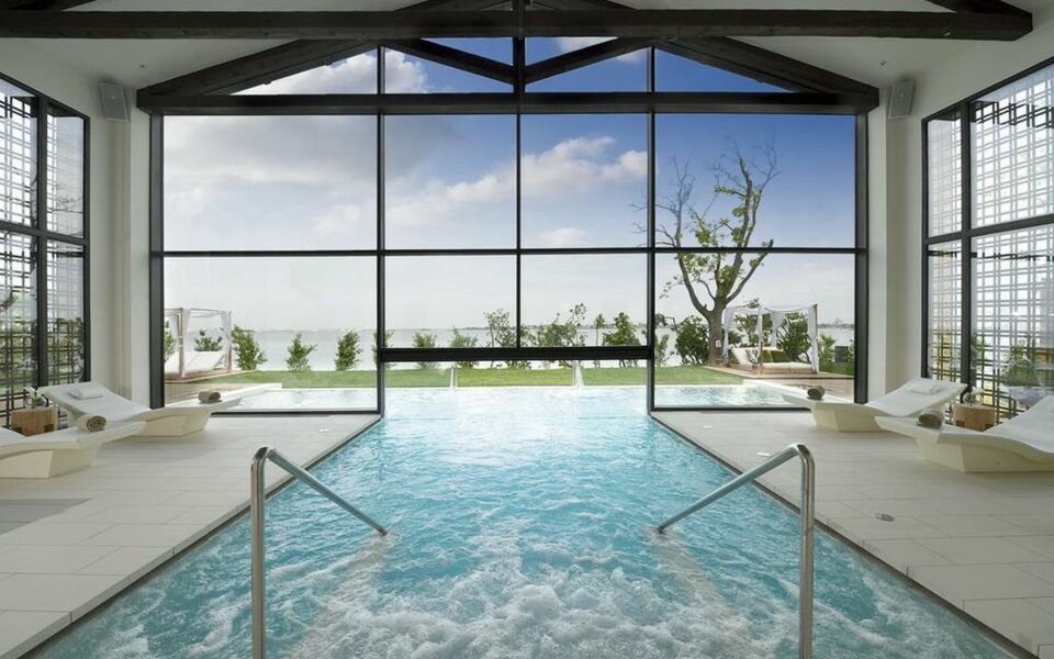 Jw marriott venice resort spa a design boutique hotel for Hotel venise piscine interieure