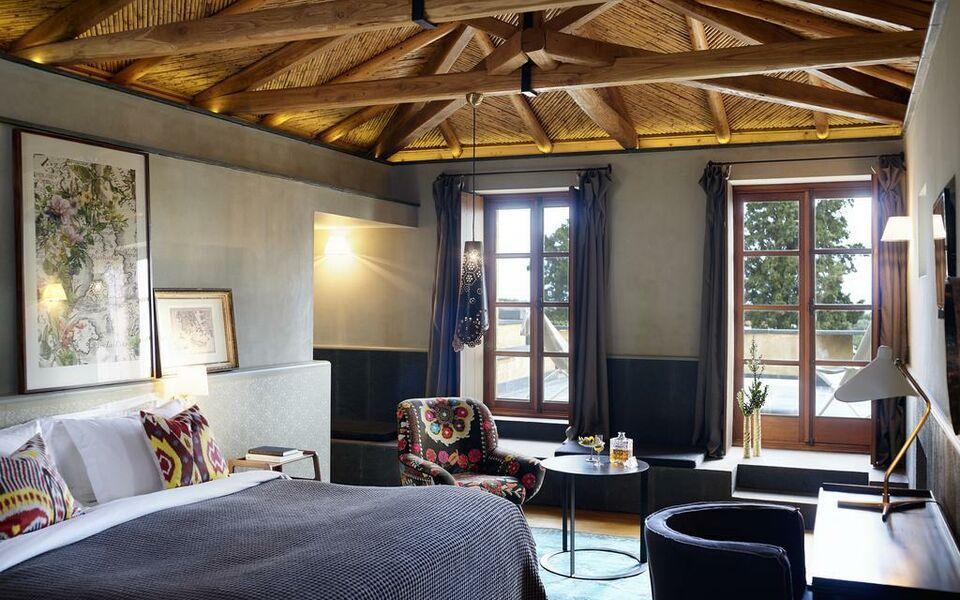 Kinsterna hotel a design boutique hotel monemvasia greece for Boutique hotel list