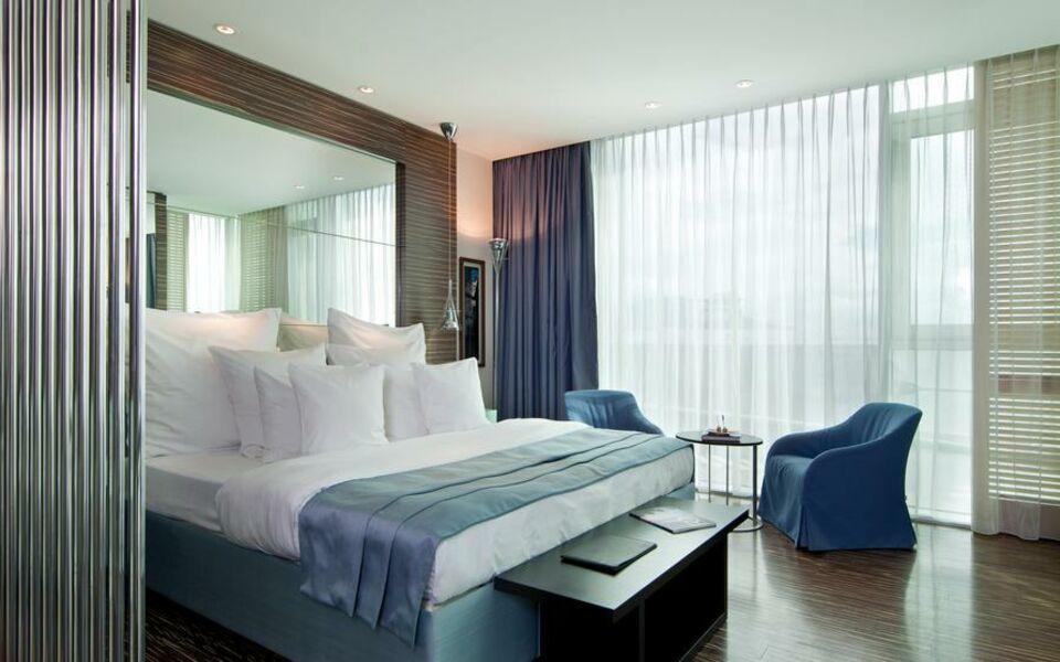 Hotel romeo a design boutique hotel napoli italy for Design hotel naples italy
