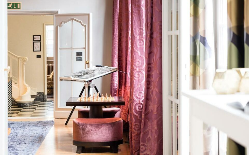 Small Luxury & Boutique Hotel De Witte Lelie, Antwerp (5)