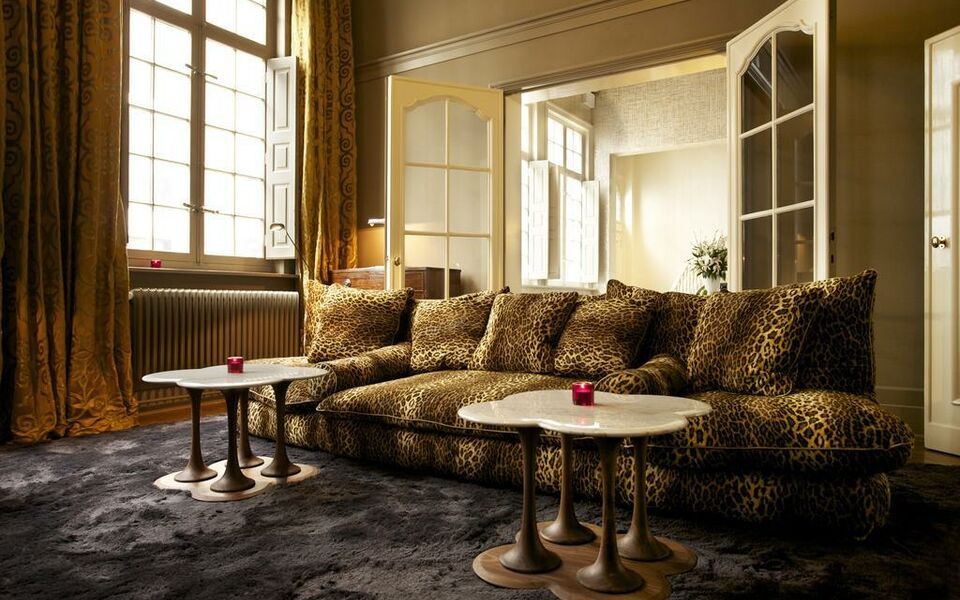 Small Luxury & Boutique Hotel De Witte Lelie, Antwerp (12)
