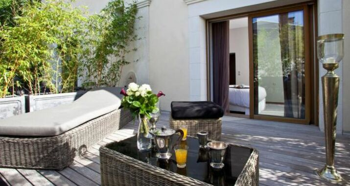 villa c a design boutique hotel bourges france. Black Bedroom Furniture Sets. Home Design Ideas